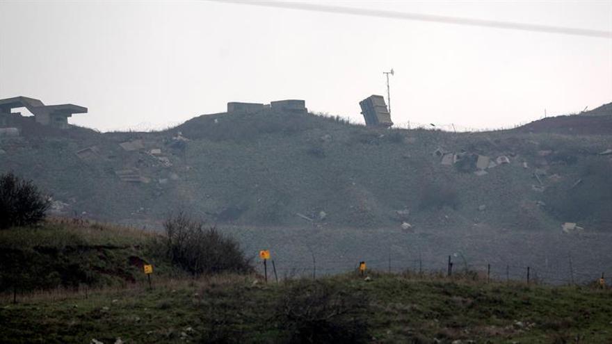 Aviones israelíes bombardean posiciones del Ejército sirio en el Golán