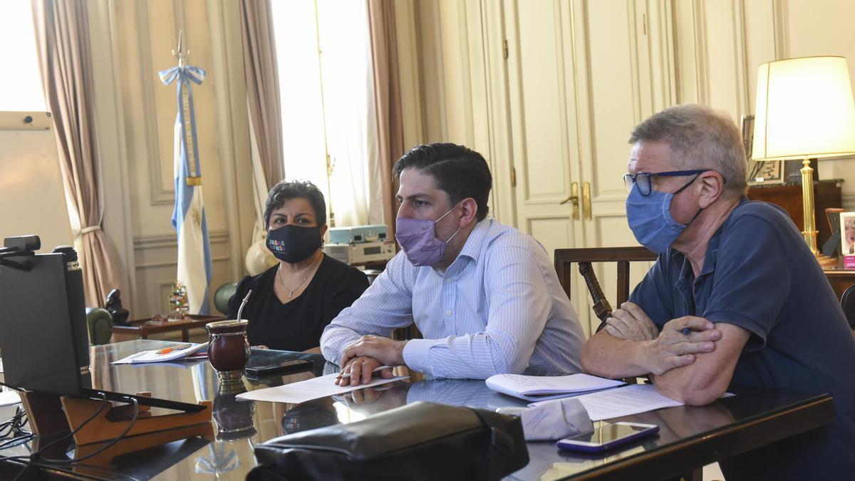 Nicolás Trotta se reunió vía Zoom con ministros de Educación