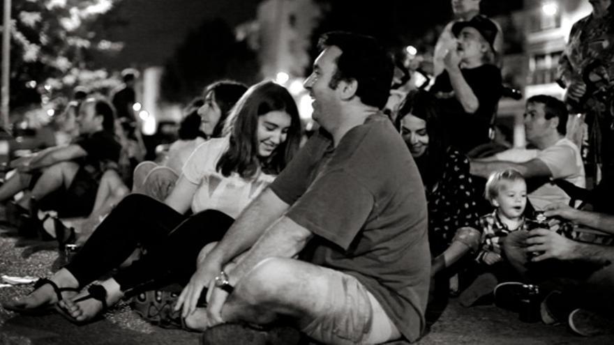 El público durante un espectáculo nocturno de 'Cabanyal Íntim'