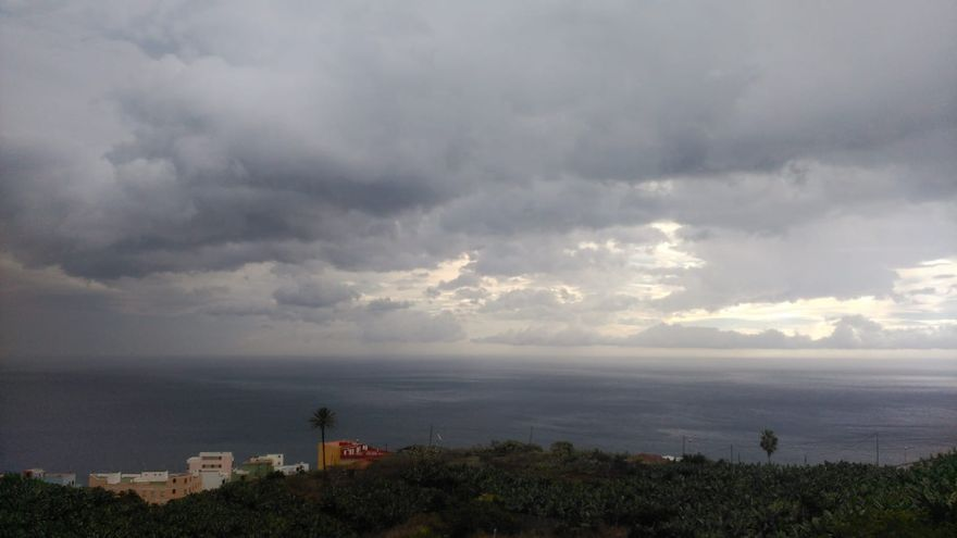 Nuboso con lluvias en general débiles este miércoles en el norte y este  de La Palma
