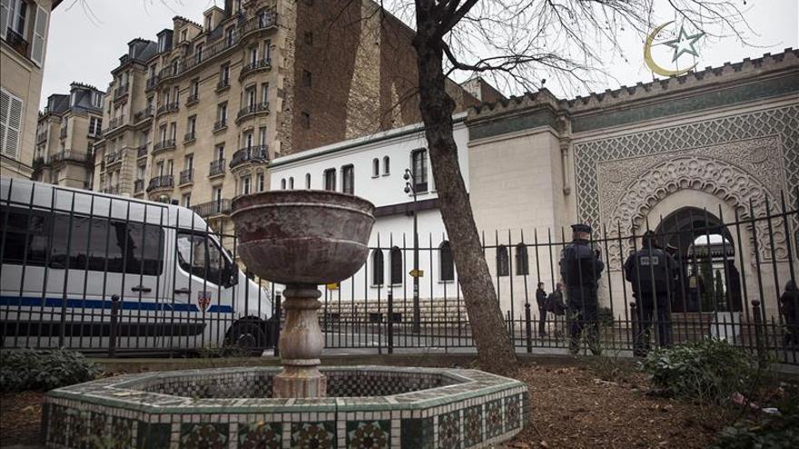 La Gran Mezquita de París suspende su homenaje a las víctimas por seguridad