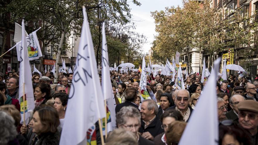 La protesta ha instado a Rajoy a rectificar porque, de lo contrario, han asegurado los manifestantes, se le castigará en las urnas. \ Juan Ramón Robles