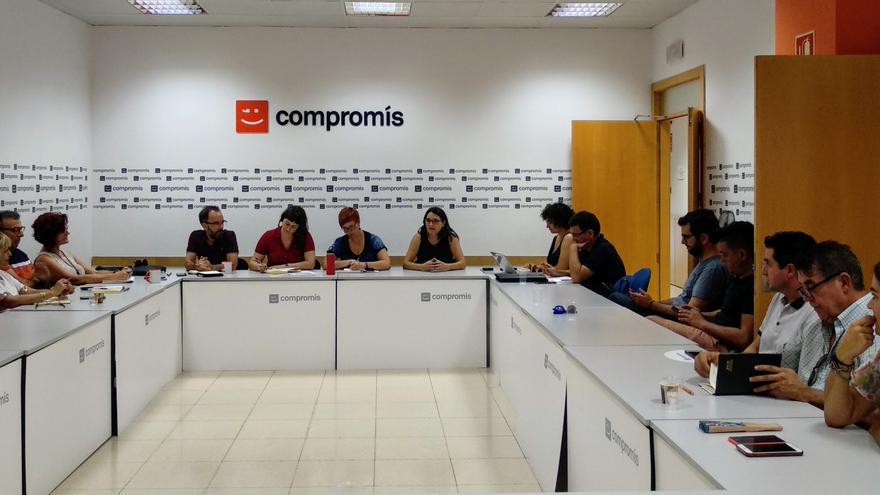 Reunión de la Ejecutiva de Compromís para analizar su posición en el debate de investidura de Pedro Sánchez