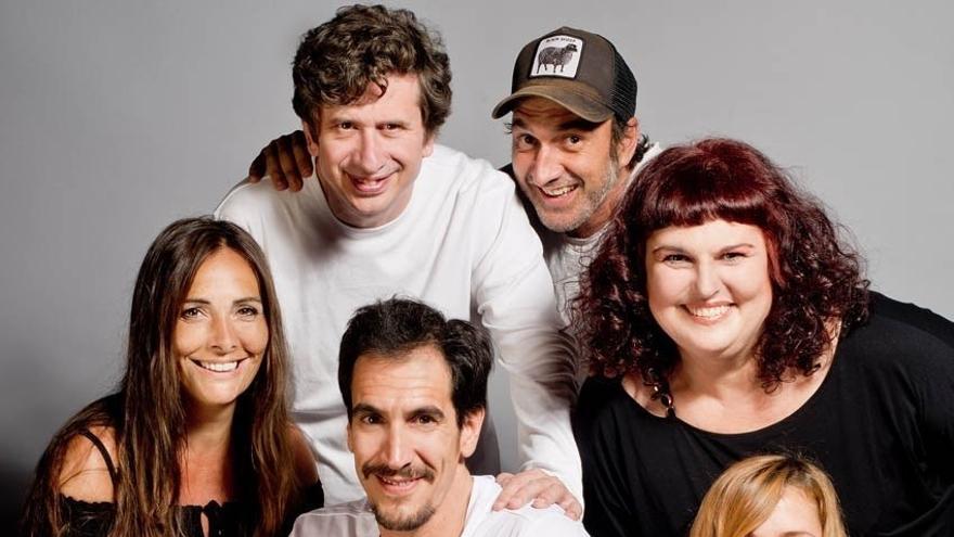 Imagen promocional con los actores de la pieza teatral