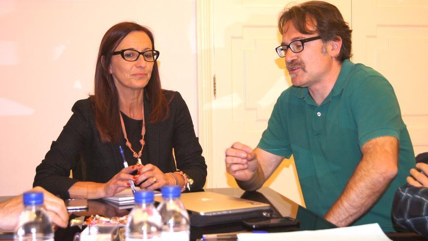 Imagen de la reunión entre Maria Josep Amigó y Giuseppe Grezzi