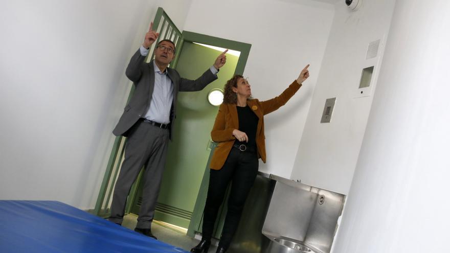 Capella y Calderó, en una celda de aislamiento de Brians I