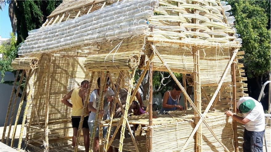 El Agrochambao que los participantes construyeron para los huertos urbanos de Málaga. / Pez [estudio]