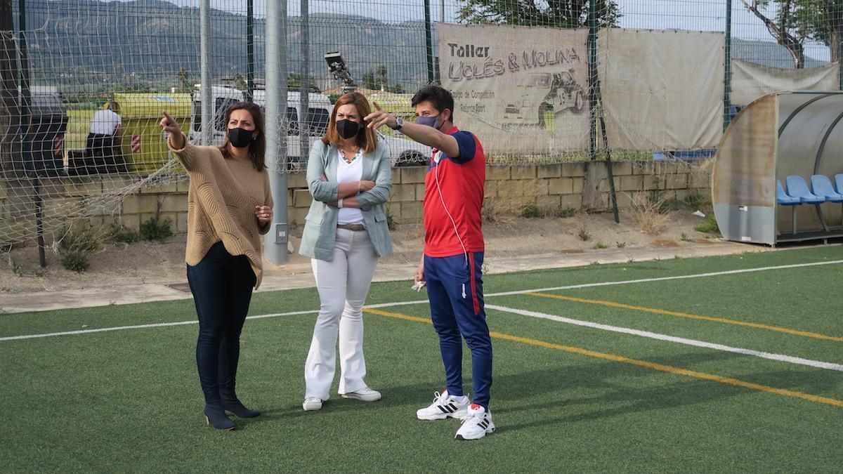 Ambrosio visita las instalaciones deportivas de El Higuerón.