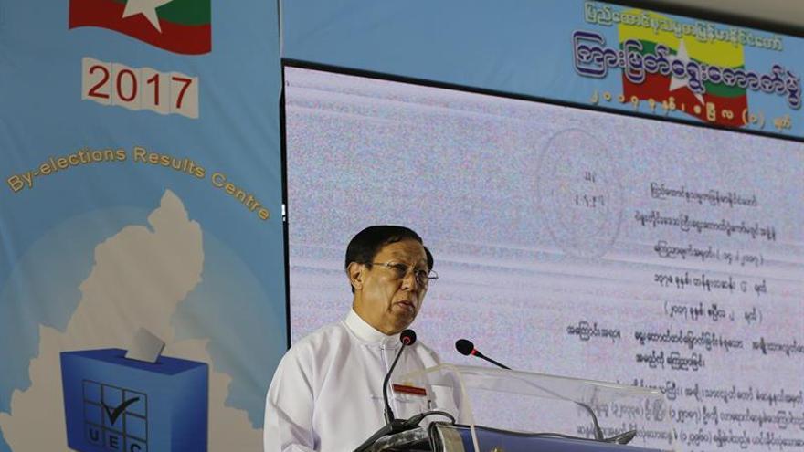 El partido de Suu Kyi gana 7 de 19 escaños en las elecciones de Birmania