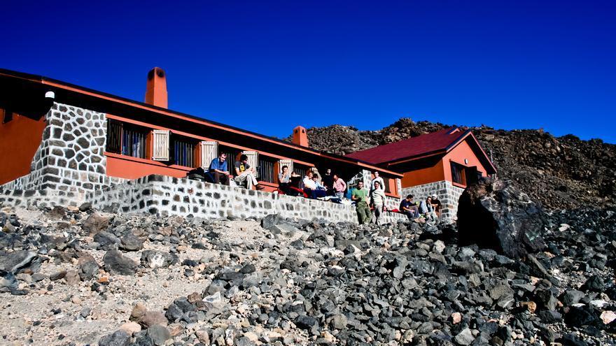 Montañeros canarios piden la reapertura del Refugio de Altavista en el Teide, cerrado por la pandemia