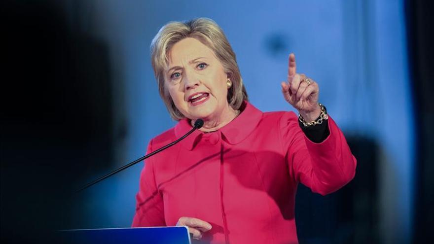 """Publican 551 nuevos correos electrónicos de Hillary Clinton, tres """"secretos"""""""