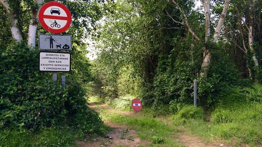 Cerrados a los vehículos los accesos a las calas de Jaizkibel en Hondarribia