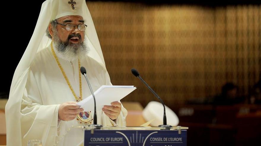 Denuncian al patriarca rumano por xenofobia usando la Biblia como prueba