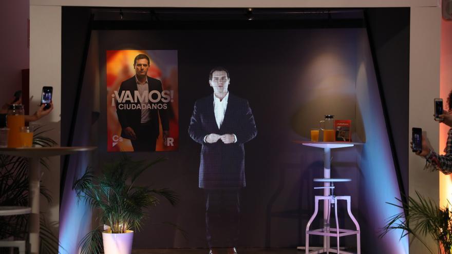 El holograma de Albert Rivera en el arranque de la campaña electoral del 28A.
