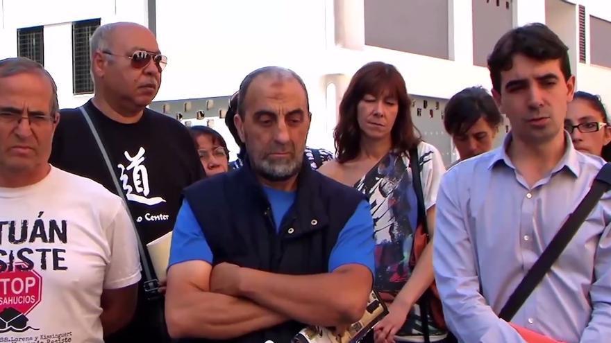 El grupo de vivienda 15M Tetuán protesta por la situación de Mohamed