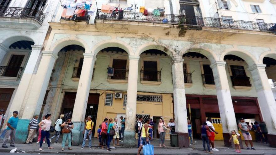 """La crisis del """"período especial"""", el trauma que vuelve para acechar a Cuba"""