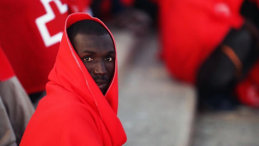Ascienden a 271 las personas rescatadas este viernes de cinco pateras, dos naufragadas, en el mar de Alborán
