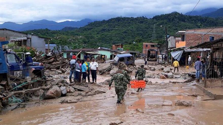 Suben a 92 los muertos y a 212 los heridos por una avalancha en el sur de Colombia