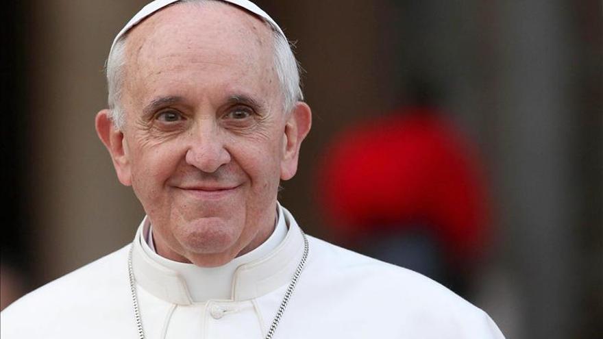 Una imagen de la Patrona de Argentina preside la audiencia pública del papa