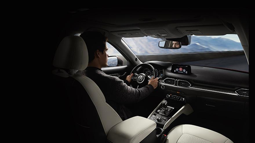 La filosofía Jinba Ittai busca que el conductor adopte la postura más natural y conectada posible con el automóvil.