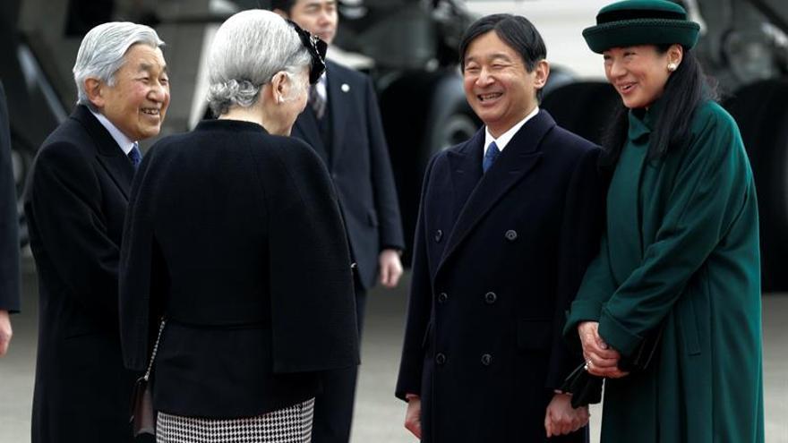 El Gobierno japonés aprueba la ley que permitirá abdicar al emperador Akihito