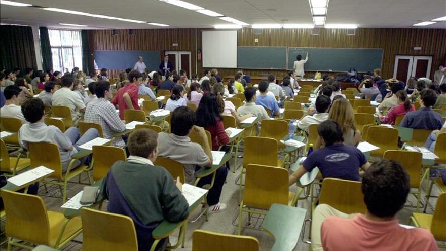 Profesores y estudiantes universitarios demandan más formación práctica