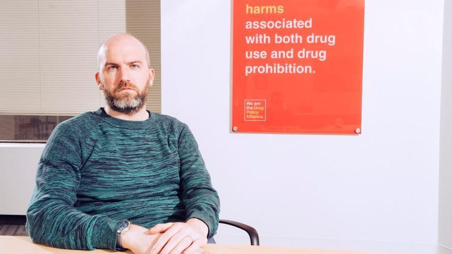 Michael Collins, director de asuntos nacionales de la Drug Policy Alliance.