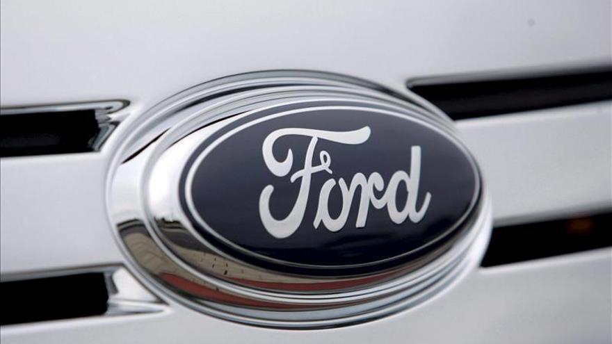 Ford llama a revisión más de 451.000 automóviles en Norteamérica