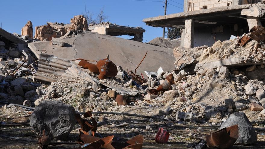 Mortero, resto de la guerra, en medio de los escombros, Kobane, 23 de enero 2017.