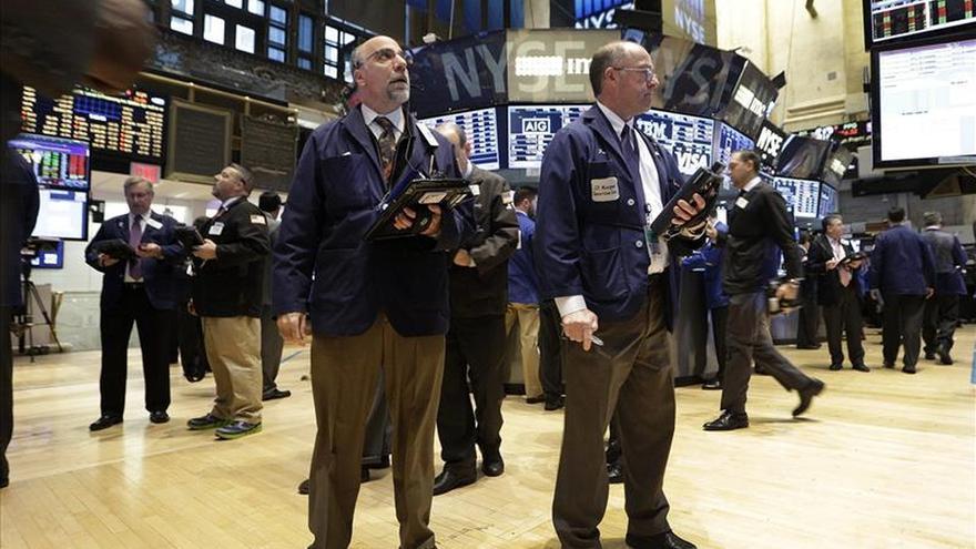 Wall Street abre al alza y el Dow Jones gana un 1,08 por ciento