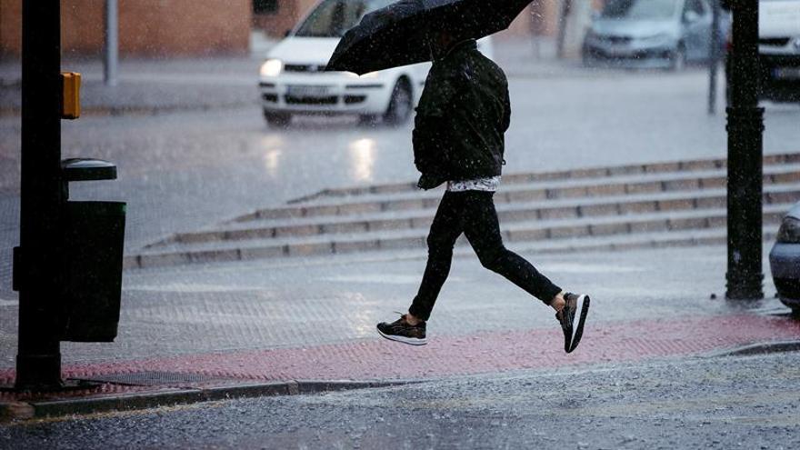 Trece provincias y Melilla en alerta amarilla por lluvia, viento y nieve
