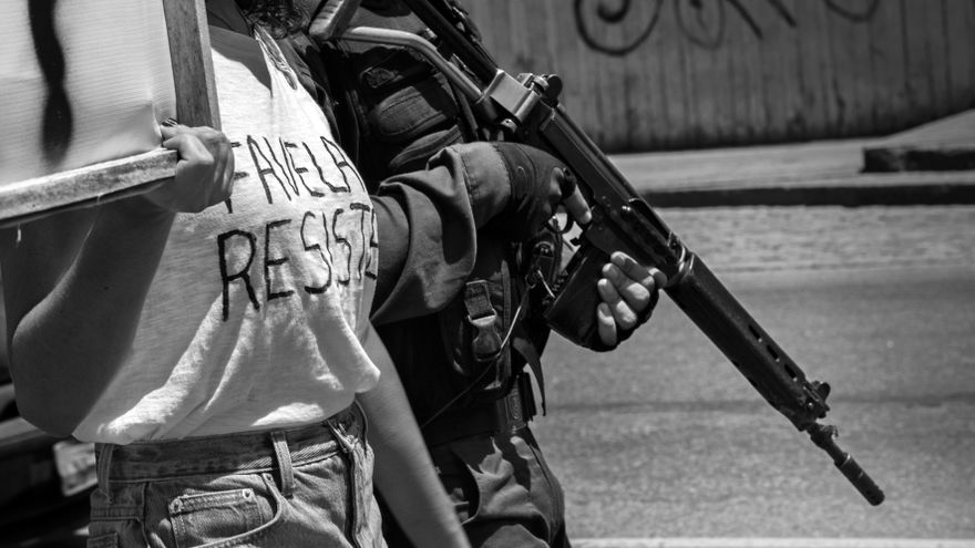 Protesta el 4 de abril de 2015 contra el asesinato de Eduardo, de 10 años, y otro residentes del Complejo de Alemão, Rio de Janeiro| Imagen: Luiz Baltar/Anistia Internacional