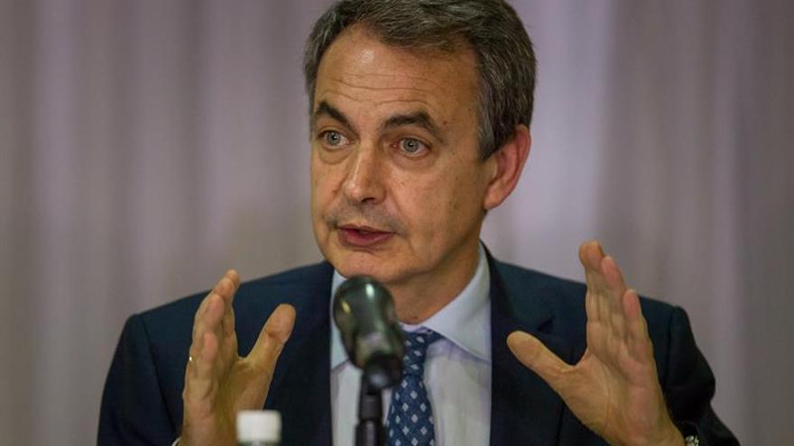 Zapatero aborda con Maduro las posibilidades de diálogo con la oposición