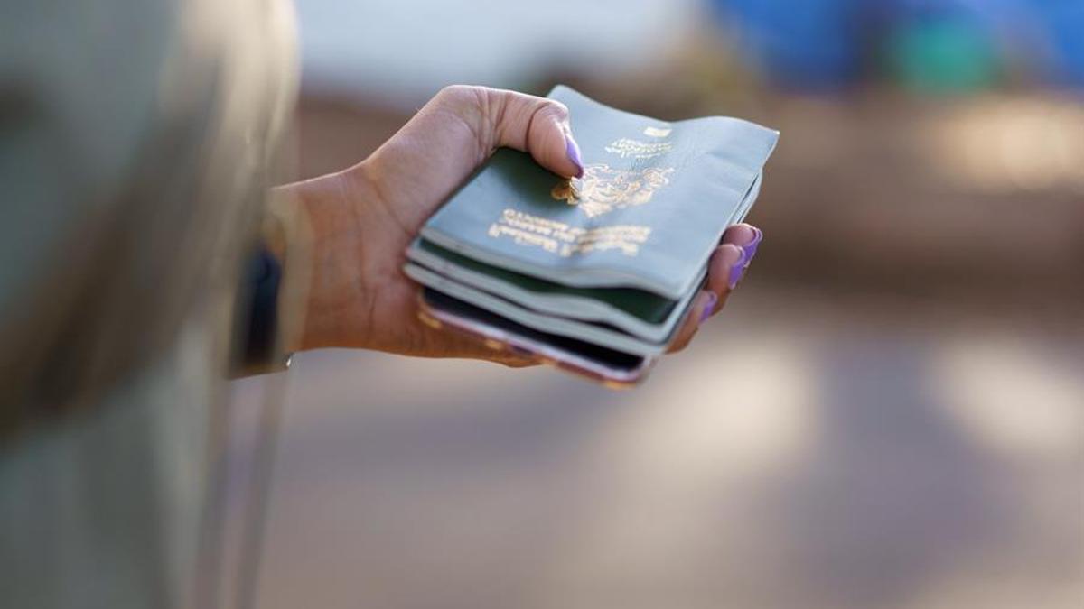 Los pasaportes de los inmigrantes enterrados en Fuerteventura nada más llegar