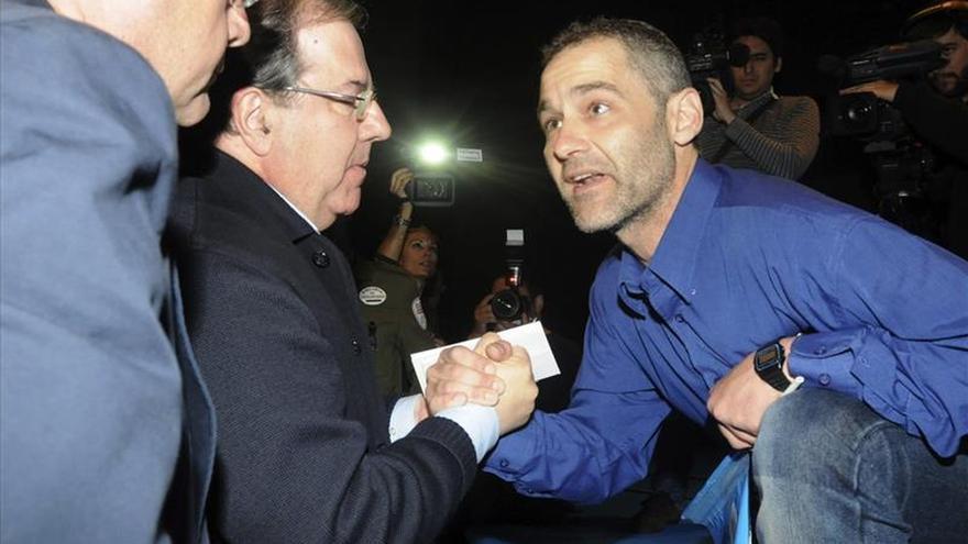 Un minero interrumpe el mitin del PP en León, y Herrera le tiende la mano
