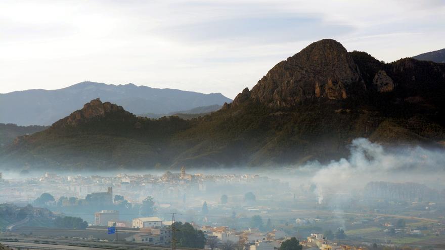 Cieza cubierta de humo por las quemas agrícolas / Ecologistas en Acción