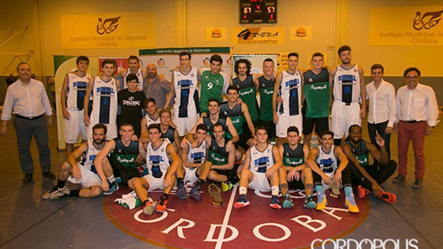 Jugadores del Cordobasket y el Bball en la final de la Copa Diputación   MADERO CUBERO