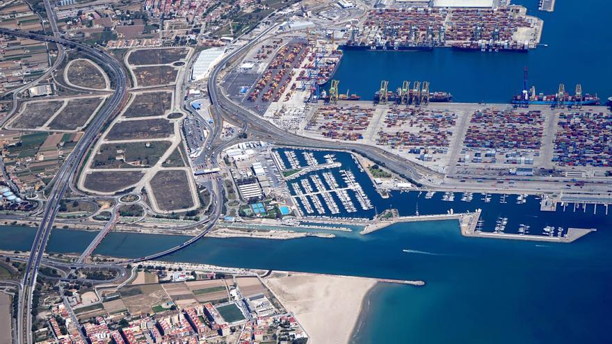 Imagen panorámica de los terrenos de la ZAL, entre el Puerto y la autovía CV-500.
