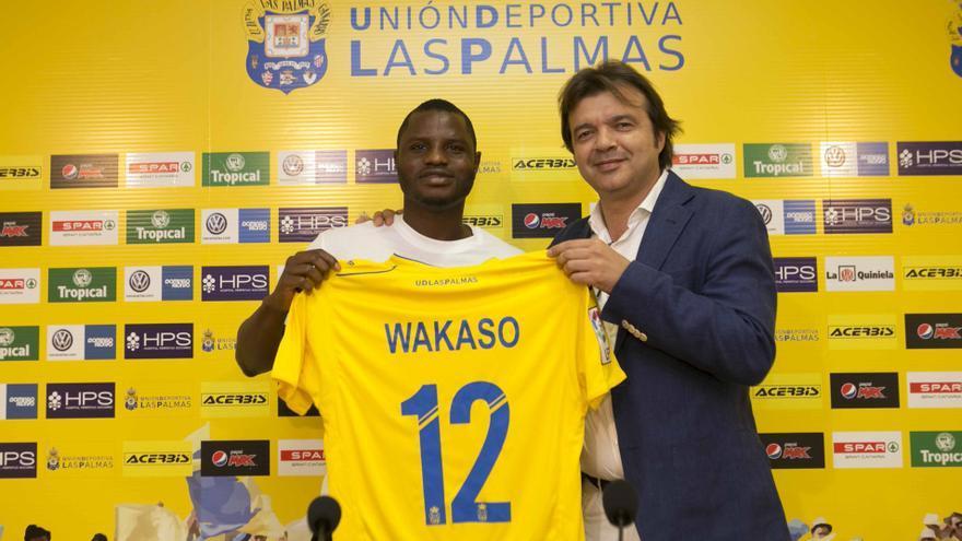 El centrocampista de Ghana, Wakaso Mubarak en su presentación oficial como jugador de la UD Las Palmas.