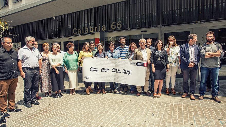 Representantes de los municipios que han firmado la Declaración de Barcelon