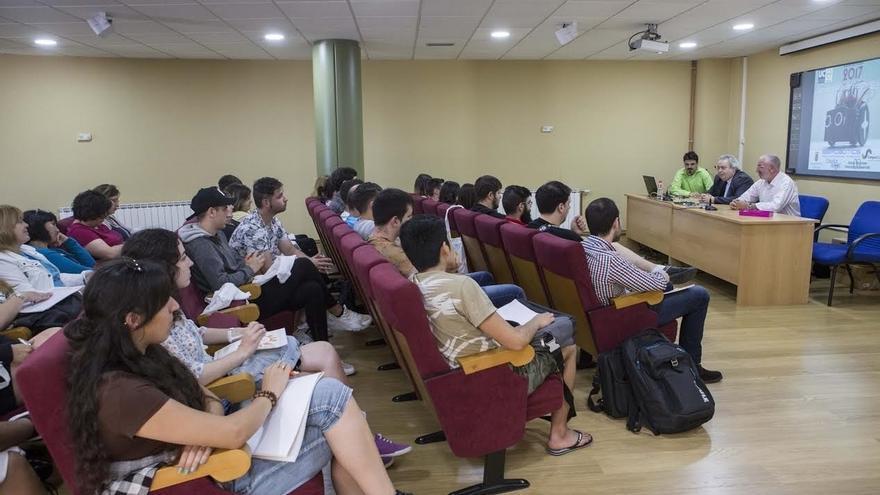 Comienza en el Centro de Empresas un curso de la UC sobre robótica