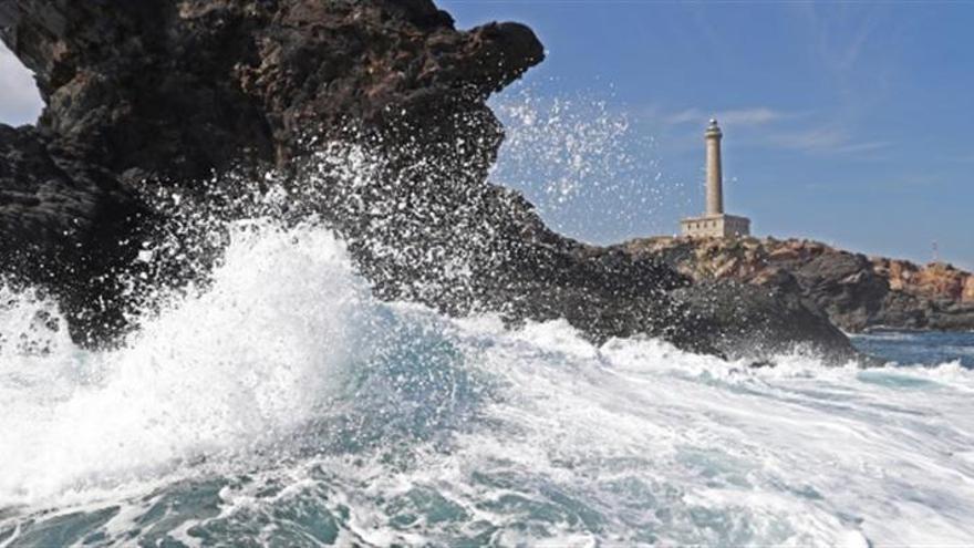 Buceo, pesca artesanal y turismo conviven en el santuario de Cabo de Palos