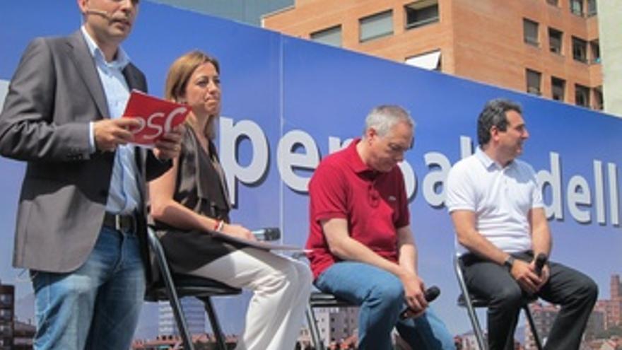 Carme Chacón, Pere Navarro Y Manuel Bustos Durante El Acto En Sabadell