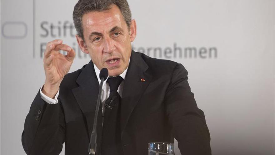 Sarkozy ridiculiza la propuesta de reparto de refugiados por cuotas