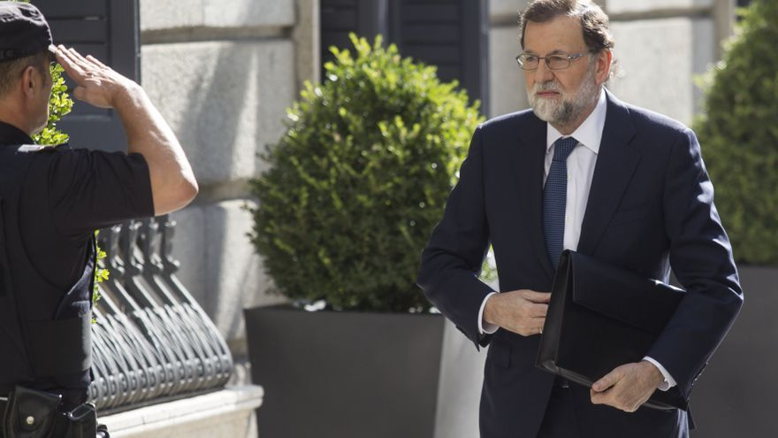 Descripción : Spain's Prime Minister Mariano Rajoy during a special session at Spanish Parliament to speak about Catalonias independency and CarlesPuigdemont actuation, in Madrid, on Wednesday 11, October 2017.