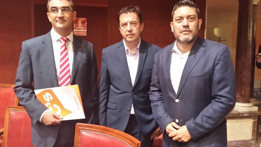 Miguel Ángel López Morell, Juan José Molina y Miguel Sánchez en la Asamblea Regional