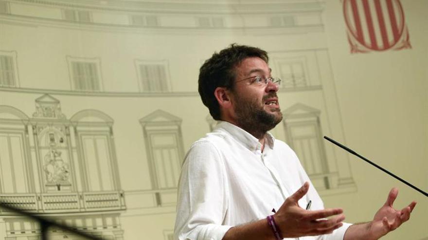 """Podem cree que Rajoy hace el """"ridículo amenazando"""" a los catalanes"""