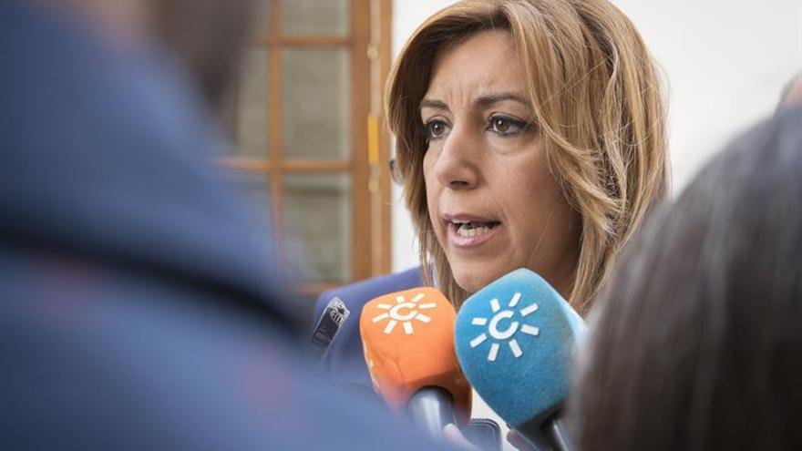 Susana Díaz urge al Fiscal del Estado a dar explicaciones por mantener a Moix