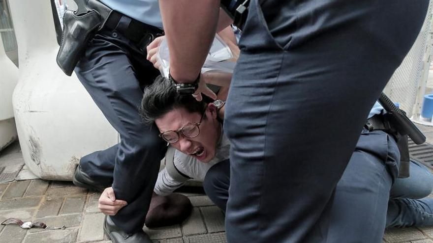 Varios detenidos en el tenso inicio de la visita de dirigente chino a Hong Kong