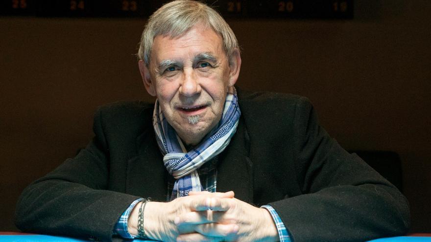 El cantautor Joaquín Carbonell. EFE/Javier Cebollada/Archivo